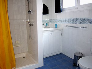 gite shower room